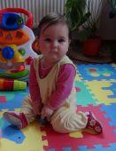 Fotogalerie capáčky Krásná princezna s kytičkovými capáčky
