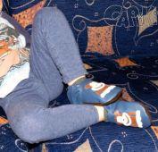 Fotogalerie capáčky pohůdka na gauči s opičkovými capáčky :-)