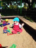 Fotogalerie capáčky Housenka na písku dostává zabrat:-)